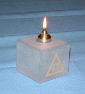 Tempel Riddare Orden Glas Kub Oljelampa
